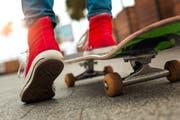 Ein Skateboard-Kurs ist Teil des Ferienangebotes. (Bild: Getty)