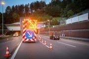 Ungewohnte Verkehrsführungen und Baustellen-Markierungen fordern die Autofahrer. (Bild: Urs Bucher)