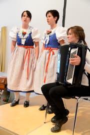 Unterhaltung mit dem Jodelduett Edith und Marianne an der Versammlung der Obertoggenburger Bäuerinnen. (Bild: Hansruedi Rohrer)