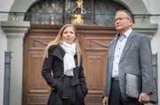 Sarah Bill und ihr Vater Rolf hoffen darauf, dass die Verwaltungsrichter in Weinfelden ihnen Gehör schenken. (Bild: Andrea Stalder).