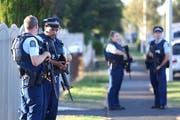 Die Masijd Ayesha Moschee wird nach dem Attentat von der Polizei überwacht. (Bild: Phil Walter/Getty Images)