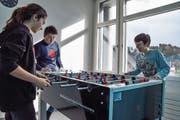 Der Töggelikasten ist im Jugendtreff der Gemeinden Rickenbach und Wilen sehr beliebt. (Bild: Nicola Ryser)