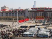 Zum Abschluss seiner Jahrestagung segnete Chinas Volkskongress ein neues Gesetz ab, das auf die Benachteiligung ausländischer Firmen in China eingeht. (Bild: KEYSTONE/AP/NG HAN GUAN)