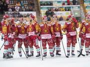 Frust bei den Langnauer Spielern nach der dritten Niederlage in Serie gegen Lausanne (Bild: KEYSTONE/MARCEL BIERI)