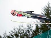 Stefan Kraft reizt den Flug voll aus. (Bild: KEYSTONE/EPA NTB SCANPIX/TERJE BENDIKSBY)