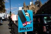 Britische Austritts-Gegner sehen den Brexit als grosse Bedrohung für den Wohlstand des Vereinigten Königreichs und somit als sprichwörtlichen Schuss ins eigene Bein. (Bild: Jack Taylor/Getty, London, 11. März 2019)
