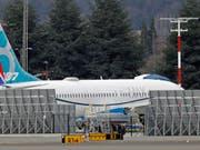 Boeing will nach dem Flugzeugabsturz vom Sonntag die Modernisierung einer möglicherweise fehlerhaften Software der 737-Max in den kommenden zehn Tagen abschliessen. (Bild: KEYSTONE/AP/TED S. WARREN)