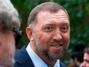 Der russische Oligarch Oleg Deripaska verklagt die USA wegen angeblicher Milliardenverluste bei seinem Vermögen nach der Verhängung von US-Sanktionen. (Bild: KEYSTONE/AP/ALEXANDER ZEMLIANICHENKO)