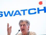 Nick Hayek, CEO der Swatch Group, hat sich erstmals deutsch und deutlich dazu geäussert, was er vom Rahmenabkommen der Schweiz mit der EU hält: nichts. Die Schweiz dürfe sich nicht erpressen lassen, sagte der Swatch-Chef in der «Samstagsrundschau» von Radio SRF. (Bild: KEYSTONE/ANTHONY ANEX)