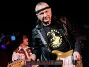 Läutete die Surf-Rock-Szene ein: US-Gitarrist Dick Dale (1937-2019). (Bild: KEYSTONE/AP/RICHARD DREW)
