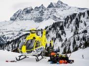 Beim Zusammenstoss zweier Skifahrer in den französischen Alpen ist eine 46-jährige Schwedin ums Leben gekommen. (Bild: KEYSTONE/JEAN-CHRISTOPHE BOTT)