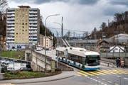 Um mehr Strassenfläche zu schaffen, soll auch die SBB-Überführung Fluhmühle stark verbreitert werden. (Bild: Pius Amrein, Luzern, 18. März 2019)