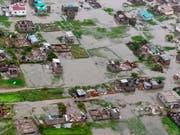 Das Unwetter zerstörte in Mosambik vielerorts Strassen und Gebäude. (Bild: KEYSTONE/AP Red Cross/CAROLINE HAGA)