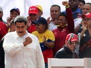 Verlangt offenbar den Rücktritt aller seiner Minister: Venezuelas Staatschef Nicolas Maduro. (Bild: KEYSTONE/EPA EFE/RAUL MARTINEZ)