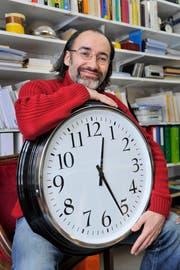 «Glück und Zeit sind eine Art Zwillingspaar», sagt Soziologe und Pädagoge Mark Riklin. (Bild: Urs Bucher)