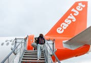 Laut WWF machen Flugreisen in der Schweiz rund 18 Prozent des CO2-Ausstosses pro Kopf aus. (Bild: Gustavo Valiente/i-Images)