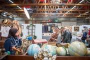 Antiquitäten, Kuriositäten, Raritäten: In der Olma-Halle 3 findet dieses Wochenende wieder eine Brocante statt. (Bild: Urs Bucher - 4. März 2016)