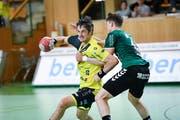 St. Otmars Spielertrainer Bo Spellerberg (links) erzielt gegen Thun fünf Tore. (Bild: Ralph Ribi)