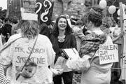 Frauenstreik am 14. Juni 1991: Schon damals forderten die Frauen die Umsetzung des zehm Jahre zuvor in Kraft getretenen Verfassungsartikel über die Gleichstellung von Mann und Frau. (Bild: Michael Kupferschmidt/KEY)