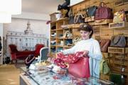 Diana Schläpfer verkauft in Zug schon seit 25 Jahren Mode aus zweiter Hand. (Bild: Maria Schmid, 20. März 2019)