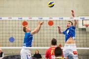 Adam Anagnostopoulos (links) und Nick Amstutz von Volley Luzern. (Bild: Eveline Beerkircher, Luzern, 20. März 2019)