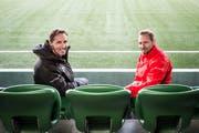 Die Verantwortlichen des U21-Nationalteams im Krienser Kleinfeld: Trainer Mauro Lustrinelli (rechts) und der sportliche Leiter Adrian Knup. (Bild: Manuela Jans-Koch (21. März 2019))