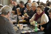Jassen mit Gleichgesinnten für einen guten Zweck: das Rojinegro-Solidaritätsjassen in findet seit einigen Jahren im Saal der Militärkantine am Rand der Kreuzbleiche statt. (Bild: Reto Voneschen - 16. März 2017)