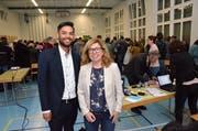 Das neue Behördenmitglied Sandro Körber und Schulpräsidentin Renata Franciello. (Bild: Christoph Heer)