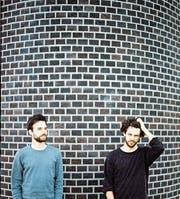 Dionys Müller (rechts) und Damian Loher kommen ursprünglich aus anderen Musikstilen, zusammen kreieren die beiden «zu gestörten» aber einen harten Grunge-Rock. (Bild: Dionys Müller)