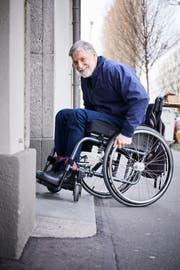 Josef Odermatt hat sich mehr als dreissig Jahre fuer hindernisfreies Bauen im Kanton Luzern engagiert und ist selber im Rollstuhl. (Bild: Jakob Ineichen, 12. März 2019)