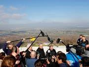 Besuch des israelische Regierungschefs Benjamin Netanjahu (Mitte) auf den Golanhöhen am 11. März, zusammen mit US-Senator Lindsey Graham (r) und dem US-Botschafter in Israel, David Friedman. (Bild: KEYSTONE/AP Pool REUTERS/RONEN ZVULUN)
