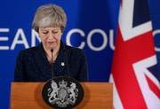 Theresa May nahm die EU-Vorschläge zum Brexit-Aufschub an. (Bild: EPA/Stephanie Lecocq)