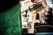 Die Kaffeekette Starbucks steht schon lange wegen Steuerpraktiken in der Kritik. (Bild: Waldo Swiegers/Bloomberg, Johannesburg, 14. Januar 2019)