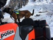 Vier Menschen sind im Wallis von einer Lawine mitgerissen worden. (Bild: KEYSTONE/KANTONSPOLIZEI VS)