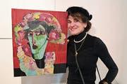Die Künstlerin Carmen Annen Bonati mit einem ihrer Werke. (Bild: Romano Cuonz, Stansstad, 23. März 2019)