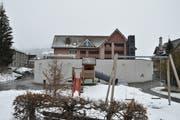 An der Hauptstrasse in Nesslau entsteht eine neue Kindertagesstätte. (Bild: Sabine Camedda)