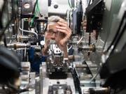 Die Schweizer Industrie erwartet weiterhin hohes Wachstum. (Bild: KEYSTONE/CHRISTIAN BEUTLER)