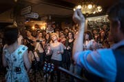 Ein Eindruck vom Honky-Tonk-Festival 2018 mit Pigeons on the Gate im «Irish Pub». (Bild: Michel Canonica - 28. April 2018)