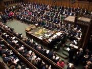 Das britische Parlament hat am Mittwochabend alle Brexit-Ansätze abgelehnt. Die Zukunft von Premierministerin Theresa May ist offen. (Bild: KEYSTONE/AP House of Commons/MARK DUFFY)