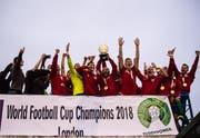 9. Juni 2018. Spieler von Karpatalya feiern den Sieg der Conifa-Weltmeisterschaft. (Bild: Sebastian Frej/MB Media/Getty Images)