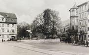 Ein Kuriosum: Auf dem Bild aus den 1950er-Jahren fehlt das Waaghaus. Links ist der «Notenstein» (Bank Wegelin), rechts das 1959 abgebrochene Café Weisshaar zu erkennen. Dazwischen fehlt das Waaghaus. (Bild: Stadtarchiv der Ortsbürgergemeinde St.Gallen)