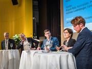 Nahmen an der Podiumsdiskussion teil (von links): Peter Hegglin, Heinz Tännler, Jérôme Martinu, Regula Rytz und Andreas Lustenberger. Bild: (Christian H. Hildebrand, Steinhausen, 27. März 2019)
