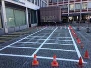 Die neuen Zweirad-Parkplätze auf dem Blumenmarkt. (Bild: Reto Voneschen - 28. März 2019)