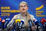 Gilt als mögliche Unruhestifterin in der Wahlnacht: Ex-Regierungschefin Julia Timoschenko (58). (Efrem Lukatsky/AP, Kiew, 22. Februar 2019)
