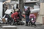 Opfer der Übergriffe nahe von Paris: Mitglieder der Roma-Gemeinschaft. (K. Tribouillard/AFP (27. März 2019)