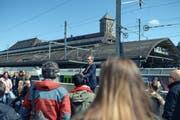 Begrüssung mit dem musikalischen Impro-Moderator Christian J. Käser vor den Workshops. (Bild: PD)