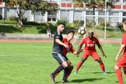 Der FC Herisau musste auf die Rückrunde hin seinen Topskorer Orcun Cengiz (links) ziehen lassen. (Bild: Lukas Pfiffner)