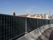 Es müssen noch viele Lärmschutzwände verbaut werden, um der Verordnung gerecht zu werden. Bild: Gaëtan Bally/KEY (Zürich, 14. Februar 2019)