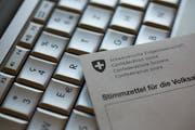 Der Kanton Thurgau setzt E-Voting vorerst aus. (KEYSTONE/Alessandro Della Bella)