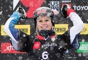 An den Schweizer Meisterschaften sicherte sich Julie Zogg gleich zwei Medaillen und konnte nach dem Weltmeistertitel (Bild) erneut jubeln. (Bild: George Frey/EPA)